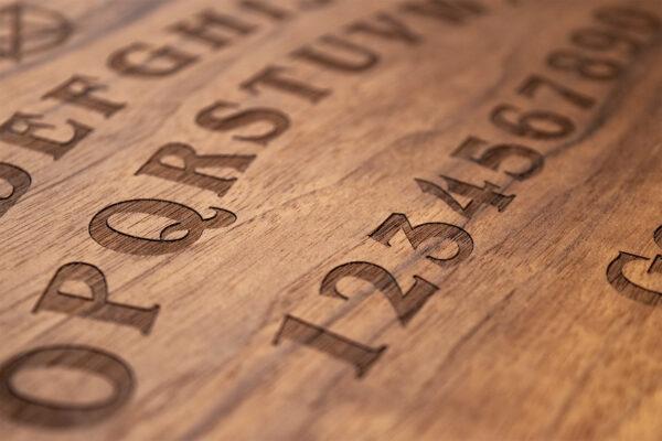 Beatus Lignum Elegant Ouija Board